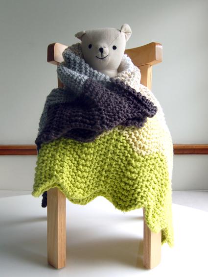 chevron-blanket-bear425