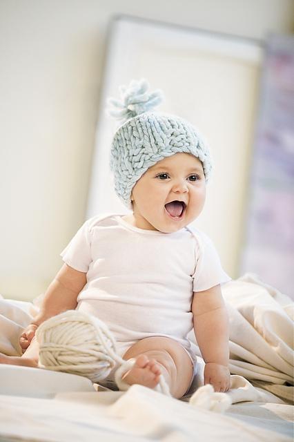 Bulky Baby Hat by Bobbi Intveld en bulky